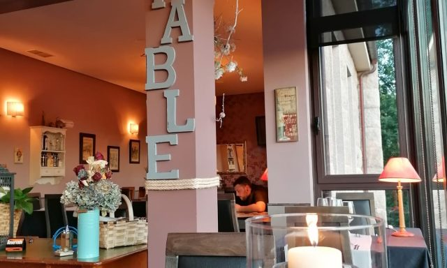 Restaurante La Table